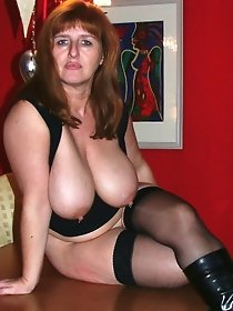 Amateur redhead mature in sexy stockings