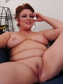 Shaved American babe likes to young boys