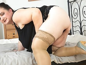 Big breasted mature bbw playing by herself