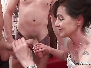 Mature cougar squirting