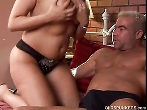 Very sexy MILF Vannah enjoys a hard fuck