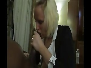 pornslut enjoys bbc with tons of cum